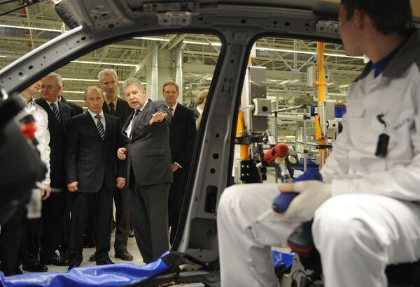 Премьер-министр РФ Владимир Путин посетил завод концерна Volkswagen в Калуге