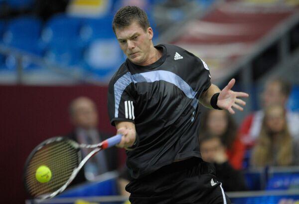 Евгений Королев вышел в основную сетку на теннисном турнире в Базеле