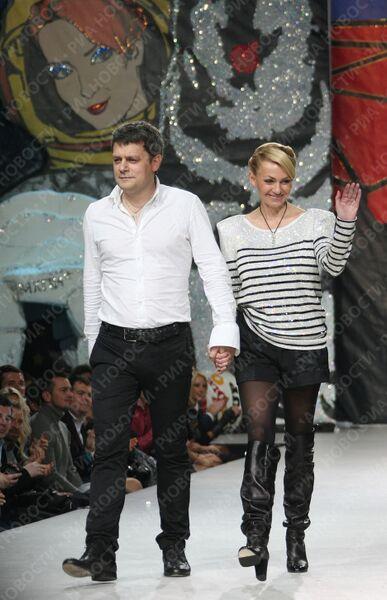 Дизайнер Илья Шиян и продюсер Яна Рудковская на закрытии Volvo-Недели моды в Москве