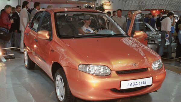 Новый автомобиль ВАЗ. Архив