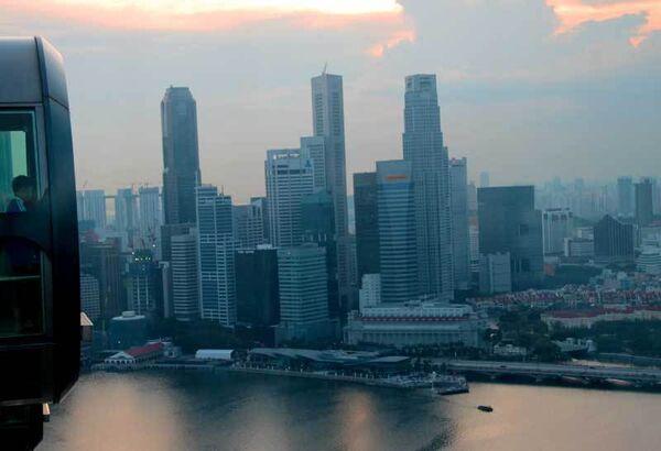 Медведев встретился с одним из творцов экономического чуда Сингапура