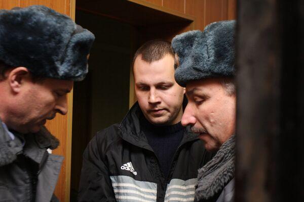 Рассмотрение ходатайства об аресте офицера ВС РФ Николая Захаркина