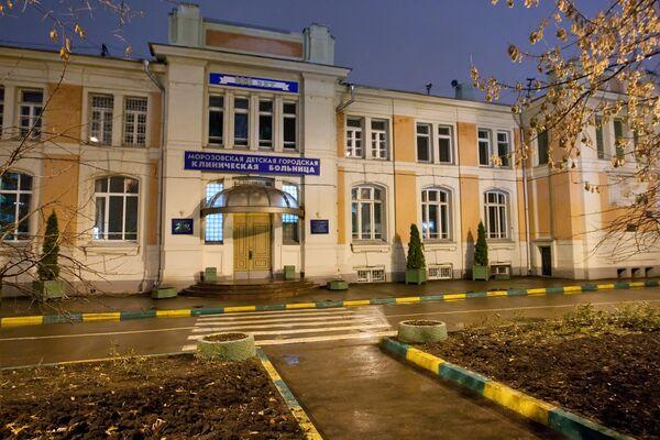 Даша и Катя, сброшенные с 8 этажа в Москве, наконец-то воссоединились