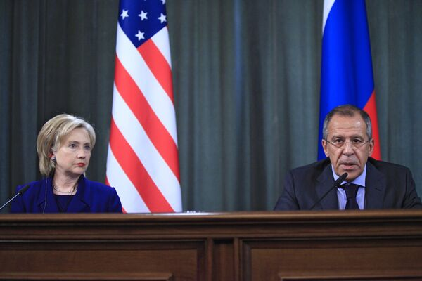 Клинтон и Лавров будут собираться не реже одного раза в год