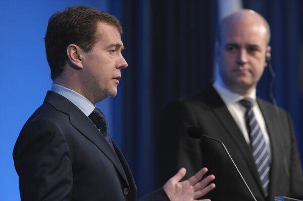 Президент РФ Дмитрий Медведев и премьер-министр Швеции Фредрик Рейнфельдт. Архив
