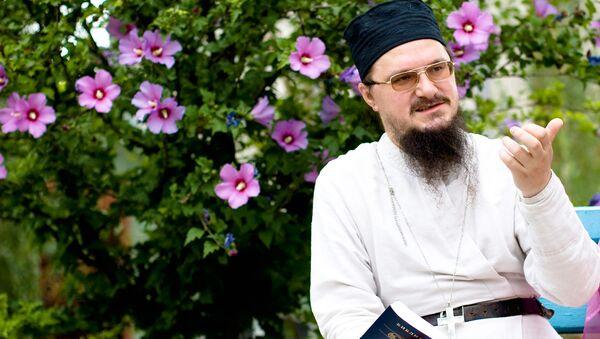 Священник Даниил Сысоев. Архив