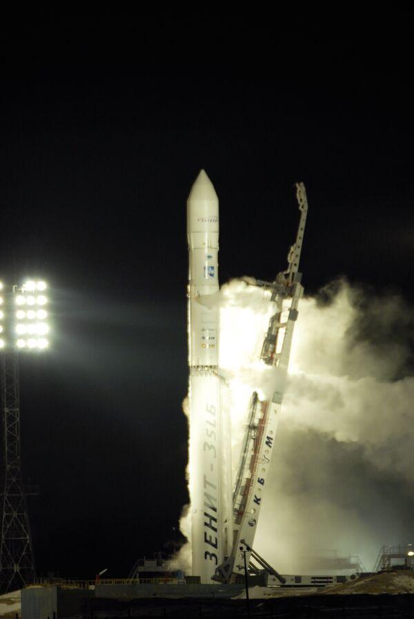 Запуск спутника. Архив