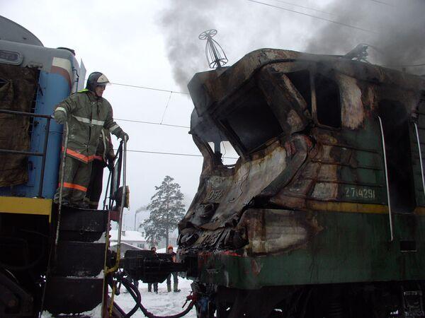 Столкновение на станции Нюра поезда с бензовозом