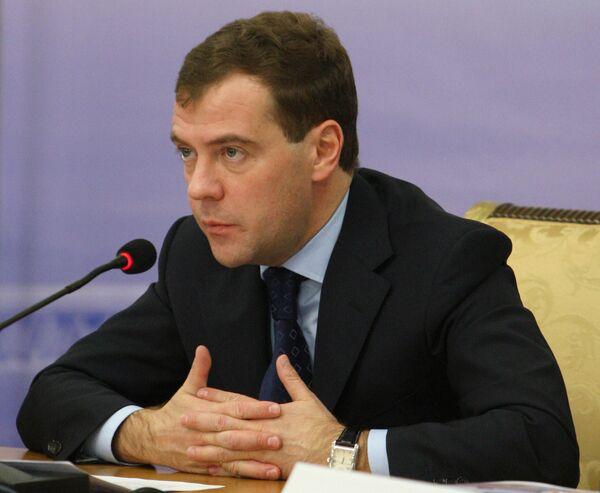 Медведев надеется на координацию РФ и Белоруссии во внешней политике