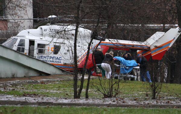 Транспортировка пострадавших при пожаре в пермском клубе