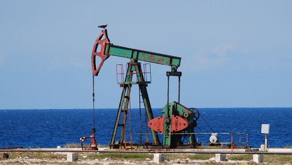 Нефтяные скважины. Архивное фото