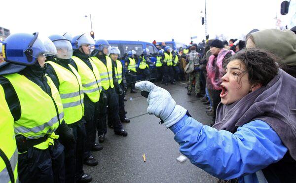 Климатический форум вызвал многотысячные демонстрации в Копенгагене