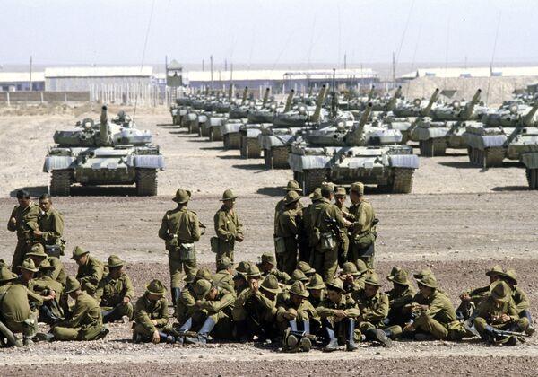 25 декабря 1979 года начался ввод советских войск в Афганистан