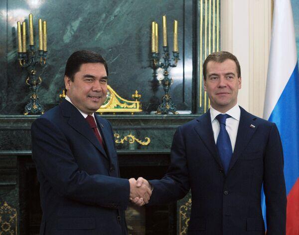 Встреча президента России Дмитрия Медведева с президентом Туркменистана Гурбангулы Бердымухамедовым