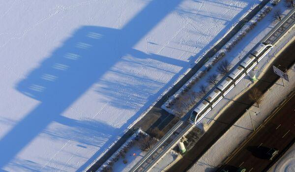 Вид на монорельсовая дорогу с Останкинской телебашни
