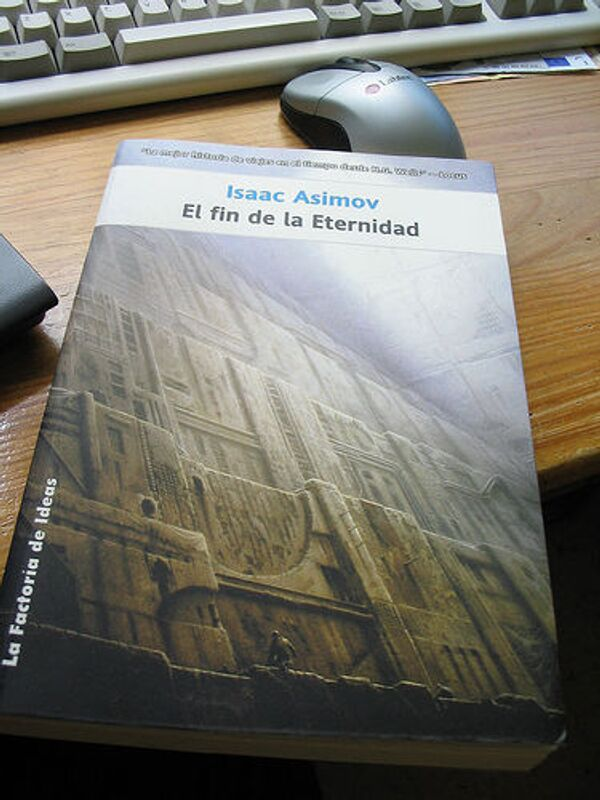 Книга Айзека Азимова. Конец Вечности