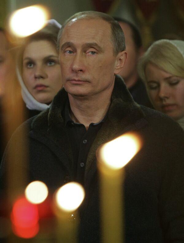 Владимир Путин на рождественской службе в Костроме