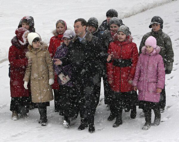 Д.Медведев посетил воскресную школу подмосковного Видного