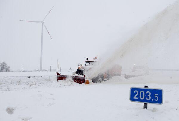Сильные снегопады в Европе