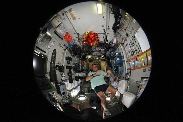 Космонавт Максим Сураев на МКС. Архив