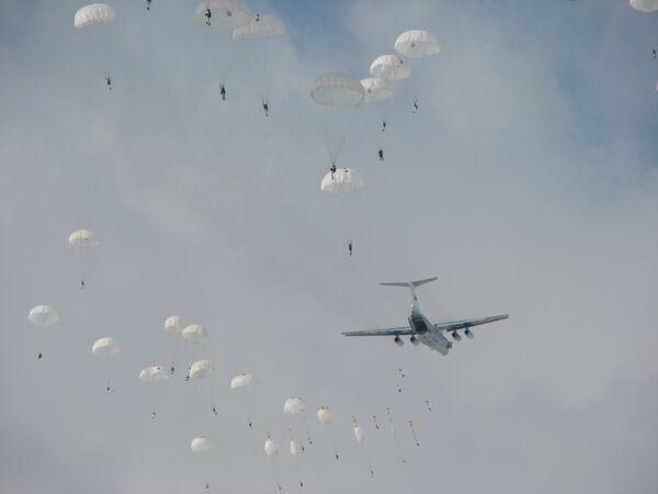 Прыжки ВДВ из самолётов Ил-76