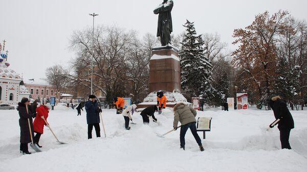 Снег в Саратове