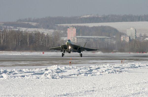 Самолет пятого поколения T50 на летных испытаниях