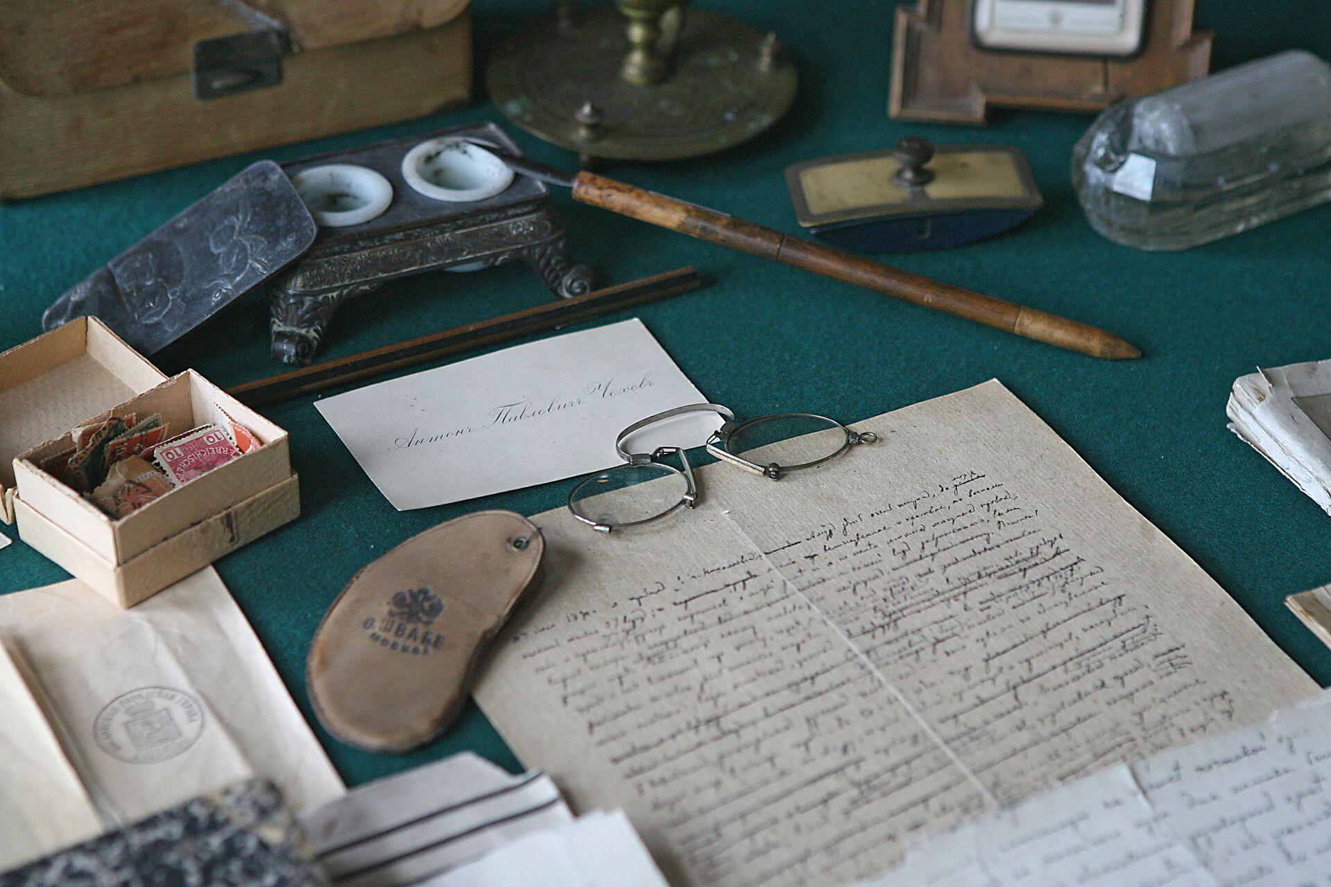 На рабочем столе в кабинете А.П.Чехова - РИА Новости, 1920, 12.09.2021