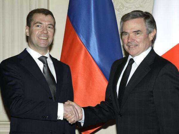 Президент РФ Дмитрий Медведев на встрече с председателем Национального собрания Франции Бернаром Аккуайе