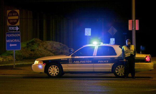 Злоумышленник открыл огонь по сотрудникам полиции у охраняемого входа в Пентагон