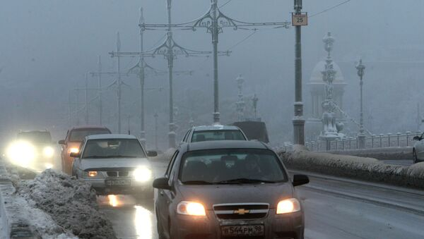 Движение транспорта зимой. Архив