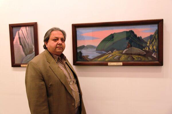 Директор индийской Национальной галереи современного искусства Раджив Лочан перед открытием выставки работ Николая Рериха в Нью-Дели