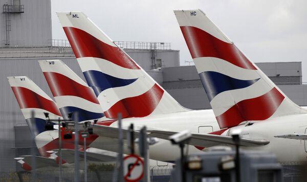 Самолеты в аэропорту Хитроу во время забастовки экипажей авиакомпании British Airways