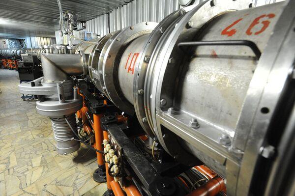 Научный семинар Физика на Большом адронном коллайдере (LHC) в Объединенном институте ядерных исследований в Дубне