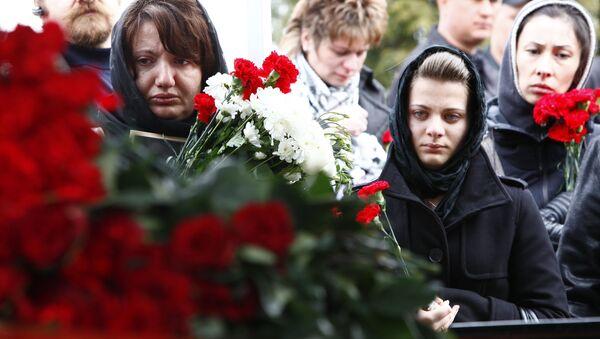 Отпевание и похороны Анны Пермяковой, погибшей в результате взрыва 29 марта на станции Парк Культуры Московского метрополитена