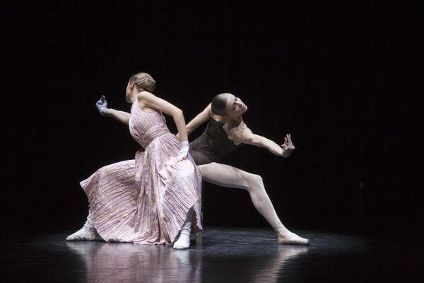 Сцена из спектакля Ромео и Джульетта. Музыкальный театр Республики Карелия, Петрозаводск
