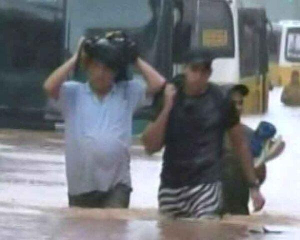 Небывалые ливни затопили Рио-де-Жанейро