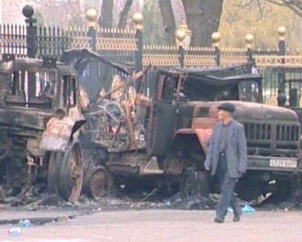 Последствия беспорядков в Бишкеке. Видео с места событий