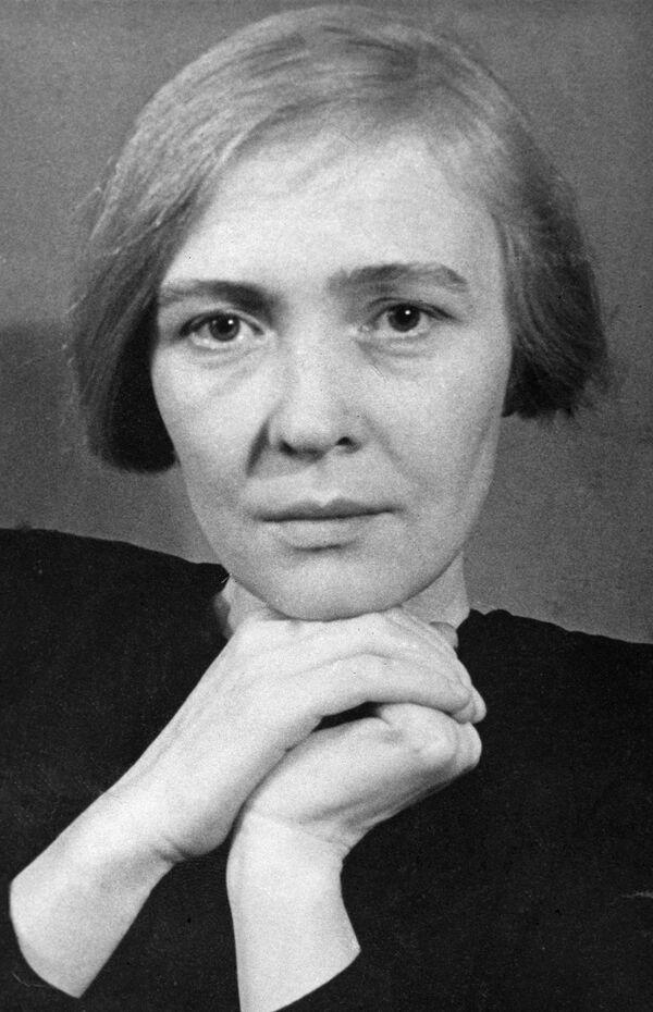 Писательница Берггольц