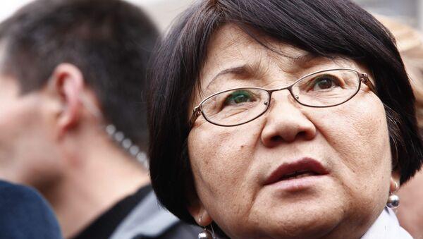 Глава временного правительства Киргизии Роза Отунбаева