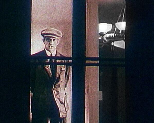 Поэт, актер, революционер – Маяковский в уникальной архивной хронике