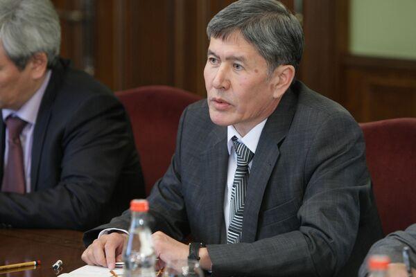 Вице-премьер временного правительства Киргизии Алмазбек Атамбаев. Архив