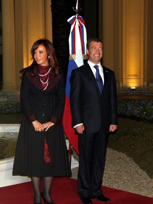 Президент РФ Дмитрий Медведев и президент Аргентины Кристина Фернандес де Киршнер.