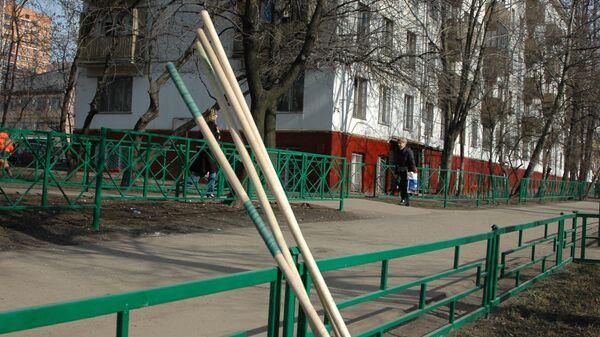 Работы по уборке мусора и благоустройству территории в Москве