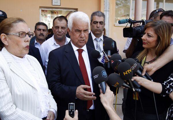 Дервиш Эроглу после голосования на выборах президента Северного Кипра