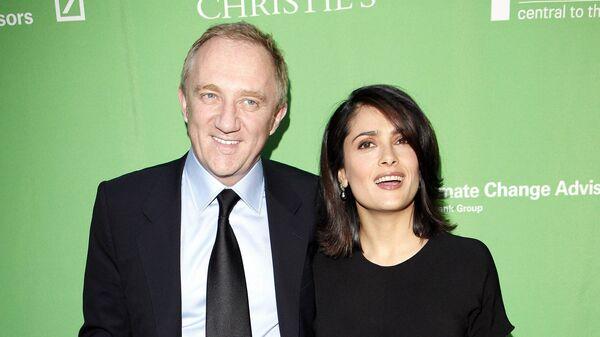 Сальма Хайек с мужем Франсуа-Анри Пино на зеленом аукционе Christie`s в День Земли