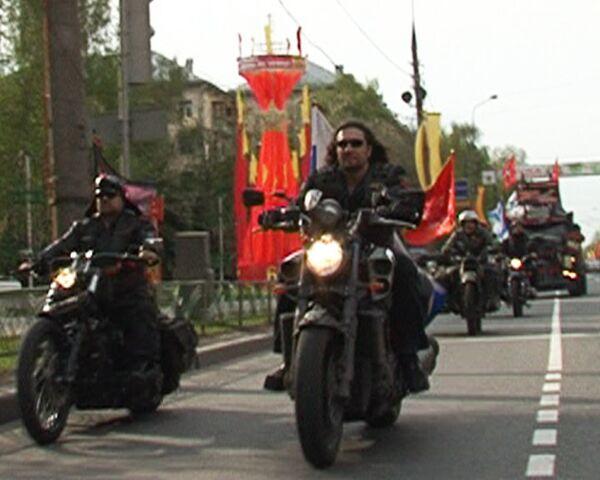 Байкеры Ночные волки поздравили ветеранов с днем Победы