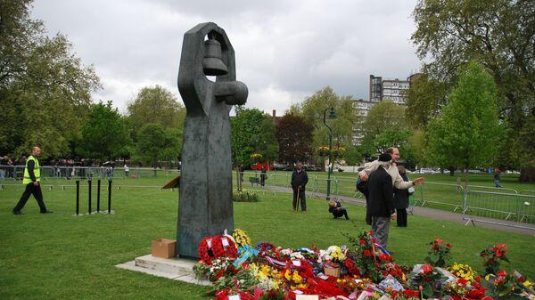 Церемония возложения цветов к советскому мемориалу в Лондоне. Архивное фото