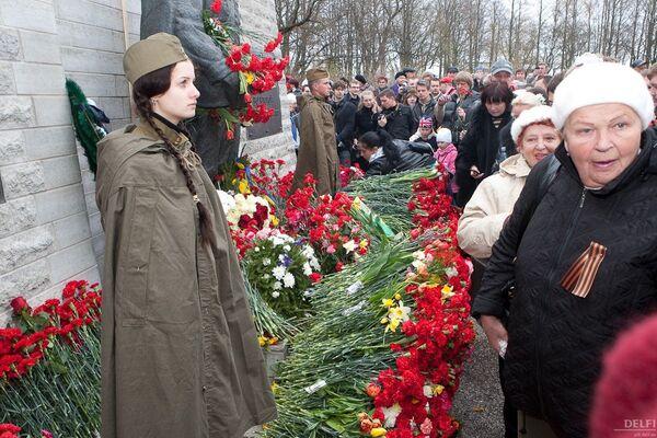 Таллин, Бронзовый солдат, 9 мая