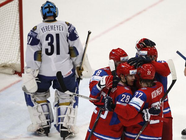 Игровой момент матча Россия - Казахстан
